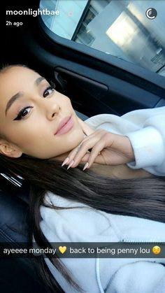 ariana grande selfie uploaded by 𝒹𝒶𝓅𝒽𝓃𝑒 on We Heart It Ariana Grande Selfie, Ariana Grande 2016, Ariana Grande Makeup, Ariana Grande Pictures, Cat Valentine, Nickelodeon Victorious, Hairspray Live, Bae, Ariana Grande Dangerous Woman