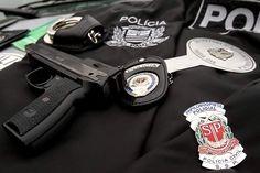 As inscrições para os concursos que vão selecionar 300 agentes de telecomunicações e 200 papiloscopistas policial começam às 10 horas do dia 3 de maio deste ano.