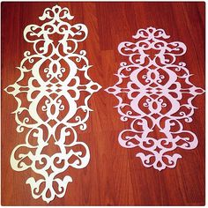 Felt runner keçe Sewing Trim, Leather Pattern, Felt Crafts, Fabric Crafts, Marquetry, Animal Print Rug, Table Runners, Wood Carving, Flourishes