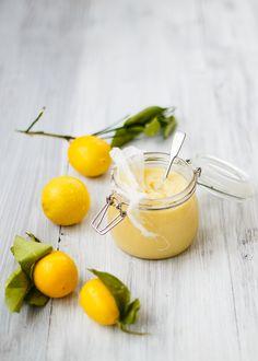 Easy Homemade Lemon Curd - Know 2 How Lemon Curd Thermomix, Dessert Thermomix, Lemon Dessert Recipes, Lemon Recipes, Sweet Recipes, Sweet Desserts, Cake Recipes, Oranges And Lemons, For Love And Lemons