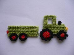 Traktor mit Anhänger - Häkelapplikation