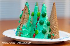ice cream cone christmas trees what a great idea..why didnt i think of that