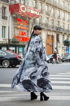 The beautiful Kozue in Comme des Garçons in Paris. And yes, she could walk quite gracefully in these shoes. Fashion Outfits, Womens Fashion, Style Icons, Style Me, Fashion Beauty, Street Wear, Kimono Top, Street Style, Style Inspiration
