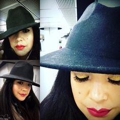 Maquillaje con destellos dorados y labios rojos ****Golden Make-up und roten Lippen Riding Helmets, Make Up, Hats, Fashion, Red Lips, Lips, Moda, Hat, Fashion Styles
