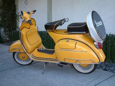 Vespa Vintage Scooters | Vintage Scooters. Love the design. I would paint a different color.