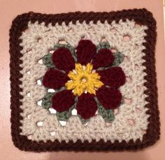 Ravelry: Project Gallery for MaryEllen's Easy Daisy Granny Square pattern by MaryEllen