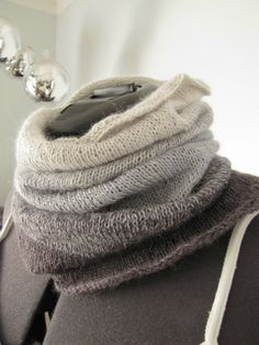 Knitting Patterns for Lace Weight Yarn Best Of Ombre Cowl Free Pattern Btw Cotton Crochet Thread is Lace Weight - Simple Knitting Knitting Daily, Easy Knitting, Knitting Patterns Free, Knit Patterns, Free Pattern, Cotton Crochet, Thread Crochet, Knit Or Crochet, How To Purl Knit