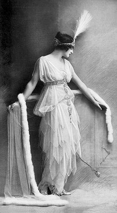 Traveling through history of Photography...Lady Lucy Duff Gordon, Lucile, Les Modes Paris, 1914.