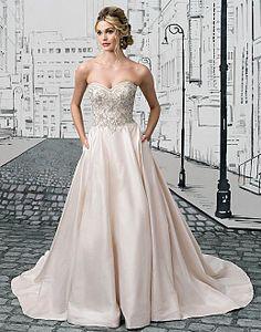 Justin Alexander wedding dress with pockets https://hillaryandeanan.wordpress.com/2016/10/07/justin-alexanders-new-collection-has-arrived/