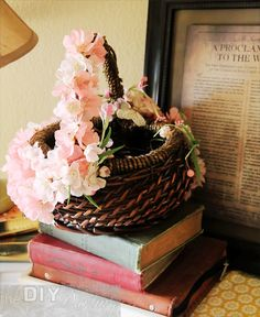 Tinker Easter decoration: fascinating ideas with inexpensive materials - Hair Beauty - Food and Drink - Christmas - DIY and Crafts - Home Decor Cute Crafts, Creative Crafts, Diy And Crafts, Instead Of Flowers, Small Bouquet, Deco Floral, Toddler Gifts, Easter Gift, Easter Baskets