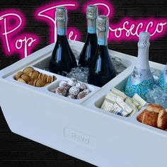 Cocktails For Parties, Wine Parties, Bloody Mary Bar, Beer Bucket, Party Spread, Beverage Tub, Champagne Bar, Best Gifts For Him, Bar Set Up
