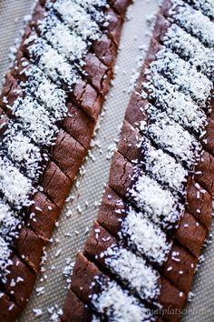 Baking Recipes, Cake Recipes, Dessert Recipes, Cookie Cake Pie, Delicious Desserts, Yummy Food, Vegan Baking, Dessert Bars, Christmas Baking