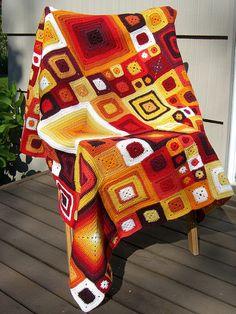 Crochet Throw - Very Easy Classic Granny Square For Beginners Crochet Home, Irish Crochet, Free Crochet, Knit Crochet, Crochet Throws, Interweave Crochet, Crochet Motifs, Crochet Squares, Crochet Blanket Patterns