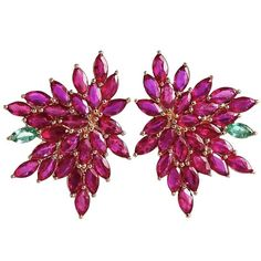 Joana Salazar - Red Blossom Petite Earrings (133.950 RUB) ❤ liked on Polyvore featuring jewelry, earrings, sparkly earrings, pearl jewelry, pearl flower earrings, pearl earrings and chandelier earrings
