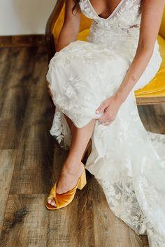Yellow Wedding Shoes, Mustard Yellow Wedding, Boho Wedding Shoes, Cozy Wedding, Dream Wedding, Groom Shoes, Bride Shoes, Mustard Shoes, Bride Gowns
