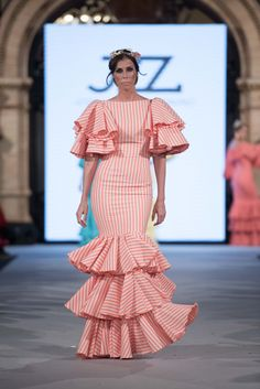 José Luis Zambonino - We Love Flamenco 2018 - Sevilla African Dresses For Kids, African Maxi Dresses, Latest African Fashion Dresses, African Print Fashion, African Traditional Dresses, Indian Designer Outfits, Classy Dress, Elegant Dresses, Fashion Outfits