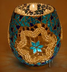 Turkish Lamp- Something cute and beautiful Más Turkish Lamps, Moroccan Lamp, Mosaic Vase, Mosaic Madness, Mosaic Projects, Mosaic Designs, Candle Lanterns, Candels, Tea Light Holder