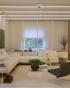 Unidade Shōji 04 | Casa Cor | SP  Projeto: Yamagata Arquitetura  Foto: Denilson Machado |MCA Estudio  créditos na tela  #yamagataarquitetura #YAemSP #casacor30anos #casacorsp #japonismo #saopaulo #sp #nipoindustrial #shoji04 #instadecor #decor #architecture #arquitetura #design #instadesign #loftstyle #japanesestyle #branco #white #marcenariaexclusiva #woodwork #archilovers #lightning #ledline #living #liderinteriores #orlean #ornare #celdom #artevideo de yamagataarq