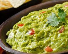 Guacamole allégé à la mexicaine : http://www.fourchette-et-bikini.fr/recettes/recettes-minceur/guacamole-allege-la-mexicaine.html