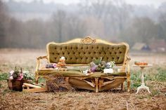 VIntage styling ideas for an outdoor wedding reception