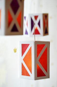 Paper Lantern Making, Paper Lanterns, Diwali Diy, Diwali Craft, Diy Diwali Decorations, Diy Halloween Decorations, Christmas Lanterns, Christmas Diy, Diy Fest