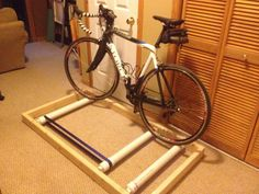 Picture of Bicycle Roller Trainer Home Made Gym, At Home Gym, Bike Maintenance Stand, Bicycle Rollers, Pimp Your Bike, Indoor Bike Trainer, Bike Repair Stand, Bike Shelf, Bicycle Workout
