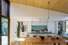 Kitchen ceiling offSET Shed House by Irving Smith Jack Architects