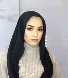 Tag your . Stylish Hijab, Casual Hijab Outfit, Hijab Chic, Hijab Turban Style, Mode Turban, Turban Outfit, Hijab Style Tutorial, Simple Hijab, Hair Scarf Styles