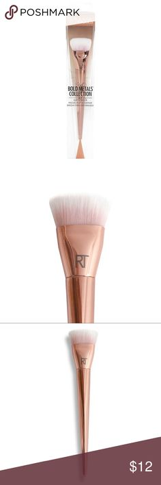 Real Techniques Bold Metals Flat Connor Brush 📬i ship same day , monday through saturday! 🎁free gift on orders $15+ 💰15% bundle discount on 2+ items 🔮add all of your likes to a bundle, and i'll send you a no obligation offer! Real Techniques Makeup Brushes & Tools