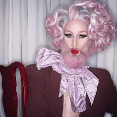 Mathu Andersen, living art: WHO DOES THIS REMIND YOU OF? HAHAHA