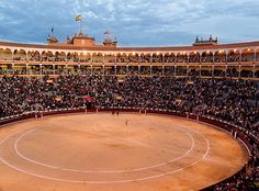 Corrida de Toros - A bullfight at Las Ventas - Europe's largest bullring - Madrid, Spain. The age-old Spanish tradition is a must see for any students on Spanish courses at AIL Madrid. Travel And Tourism, Spain Travel, Round Building, Explore Dream Discover, Barcelona, Spanish Architecture, Spanish Culture, Teaching Spanish, Spanish Teacher