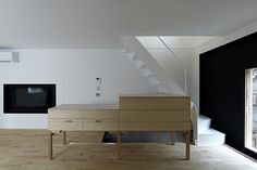 Image 4 of 20 from gallery of A House in Tsukishima / ICADA. Photograph by Koichi Torimura
