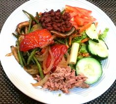Healthy Dinner...   Just Ligth tuna-vegetables & portobello-green salad-red beens