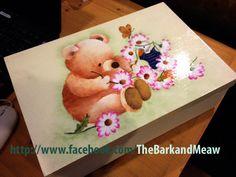 Teddy bear hand painting on box