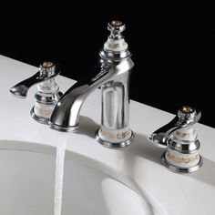 Flacy Double Handle Classic Low-Arc Widespread Bath Sink Faucet Brass