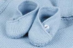 Free Knitting Patterns Uk, Baby Booties Knitting Pattern, Knitted Booties, Crochet Baby Booties, Knitting For Kids, Free Pattern, Knitting Ideas, Knit Baby Shoes, Knitted Baby Clothes