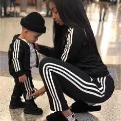 Being a mommy ❤️ Plane finally landed , feeling so good in my new city ☀… Being a mommy ❤️ Plane finally landed , feeling so good in my new city ☀️😩 - Cute Adorable Baby Outfits Mom And Son Outfits, Family Outfits, Baby Boy Outfits, Cute Mixed Babies, Cute Black Babies, Cute Babies, Fashion Kids, Baby Boy Fashion, Baby Boy Swag