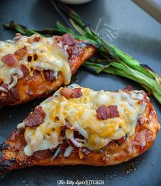 Monterey chicken, an easy grilled bbq chicken topped with BACON and melty cheese. Grilled Pork Chops, Grilled Chicken Recipes, Grilled Meat, Chicken Treats, Chipotle Chicken, Chicken Dips, Barbeque Chicken Grilled, Chicken And Cheese Recipes, Chicken Taquitos