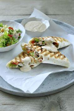 """Het lekkerste recept voor """"Wrap met kip"""" vind je bij njam! Ontdek nu meer dan duizenden smakelijke njam!-recepten voor alledaags kookplezier!"""
