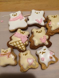 icing cookies bears