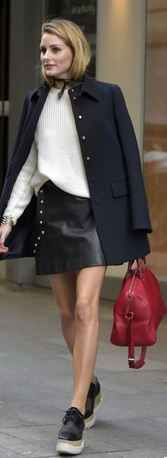 Olivia Palermo's white sweater, black platform shoes, and red handbag make for a chic fall look. Elyse Stella Mccartney, Stella Mccartney Platform, Look Oxford, Olivia Palermo Outfit, Olivia Palermo Style 2017, Looks Black, Red Handbag, Winter Skirt, Louis Vuitton Shoes