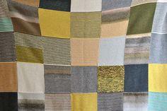 Manta de Quadrados   Knitted Squares Blanket www.mariamelia.com  grey shades   grey, brown, yellow, blue, teal, olive green