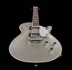 Gretsch G5439 Electromatic Pro Silver Jet E-Gitarre, Linde Korpus mit Kammer, gewölbte laminierter Ahorn Decke, Ahorn Hals, Palisander Griffbrett, 22 Medium Jumbo Bünde, Weiße Pearloid Hump-Block Inlays, Sattelbreite 43mm, Mensur 625mm, 2x Black Top...