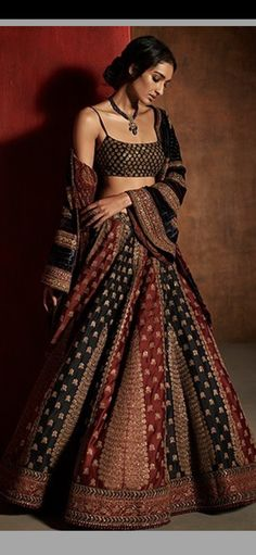 Lehenga Choli Designs, Saree Blouse Designs, Indian Fashion Trends, Indian Designer Outfits, Designer Dresses, Indian Wedding Outfits, Bridal Outfits, Indian Outfits, Indian Dress Up