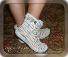(39) Одноклассники Crochet Boots, Crochet Slippers, Elvis Presley Cake, Shoe Pattern, Slipper Socks, Flip Flops, Sandals, Knitting, Baby