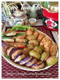 HAKKA YONG TAU FOO ==INGREDIENTS== 400g minced pork, 400g fish meat, 3 shitake mushrooms, 2-3 sprigs coriander or spring onion, 10-20g salted fish, 1T castor sugar, 1T corn starch, Pinches salt, Dashes white pepper     ================