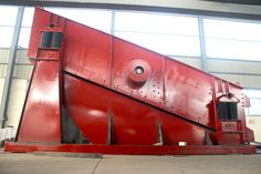 Vibrating Screen: How to solve problem of damp material blockage occ...
