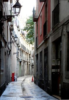 """See 105 photos and 7 tips from 624 visitors to Carrer de Ferran. """"Hostel Sun and Moon, best ever! Very nice people and nice place! Hostel, The Good Place, Nice, Places, Street, Architecture, Pictures, Nice France, Lugares"""