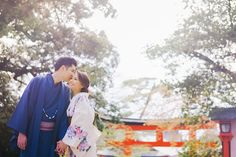 Is there any greater inspiration than Mother Nature herself? Claude and Clarabelle think not and their Spring pre-wedding shoot in Kyoto, Japan, wondrously captured by Alwin from Trouve, is tribute to her magnificence. Pre Wedding Shoot Ideas, Pre Wedding Photoshoot, Wedding Photography Styles, Kyoto Japan, Cherry Blossoms, Mother Nature, Engagement Photos, Wedding Day, Couple Photos