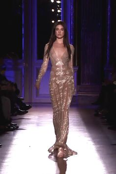 Embroidered Backless Champagne Evening Maxi Dress / Evening Gown with V-Neck Cut, Open Back, Long Sleeves and a small Train. Runway Show by Zuhair Murad. Couture Fashion, Runway Fashion, Couture Dresses, Fashion Dresses, Podium, Luxury Dress, Zuhair Murad, Couture Collection, Beautiful Gowns